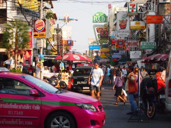 タイ、バンコク、カオサン通り
