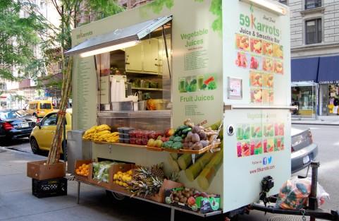 フルーツ、野菜の移動販売車