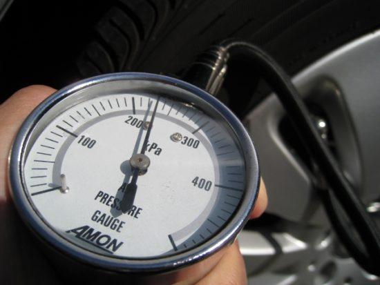 空気圧計-タイヤエアゲージ