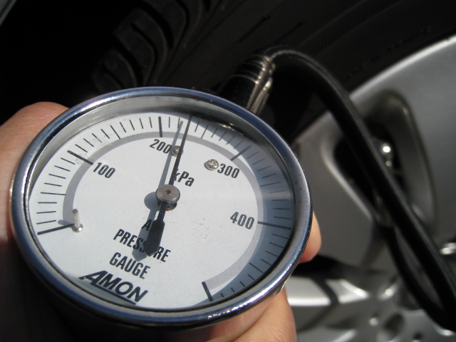 空気圧計-タイヤエアーゲージ